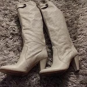 Ladies gently used boot